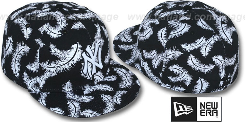 Yankees 'FEATHERS' Black-White Fitted Hat by New Era