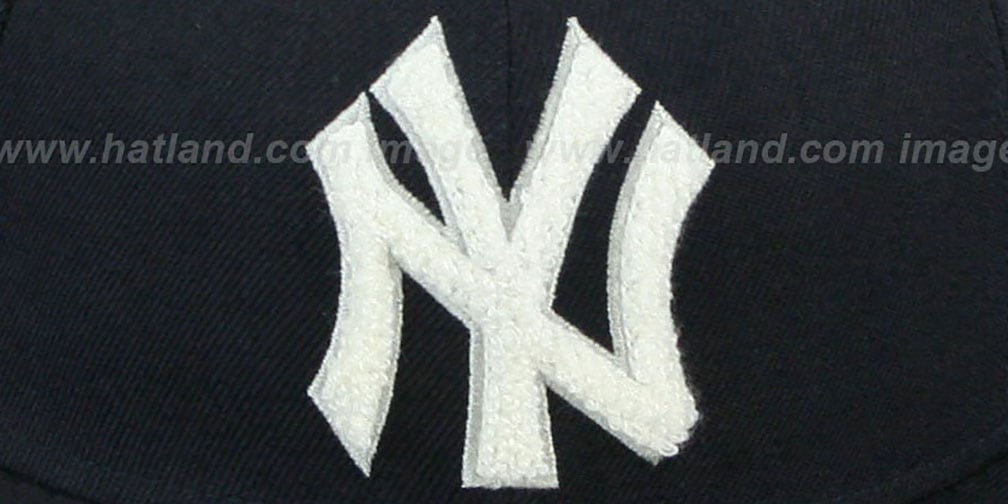 Yankees  'CHENILLE APPLIQUE' Navy Fitted Hat by New Era