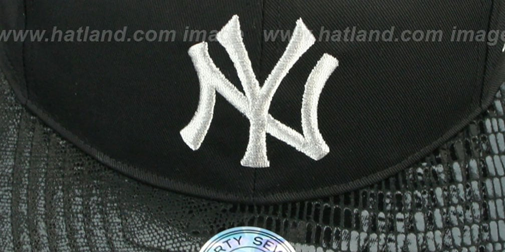 Yankees 'JULIGUNK STRAPBACK' Black-Silver Hat by Twins 47 Brand