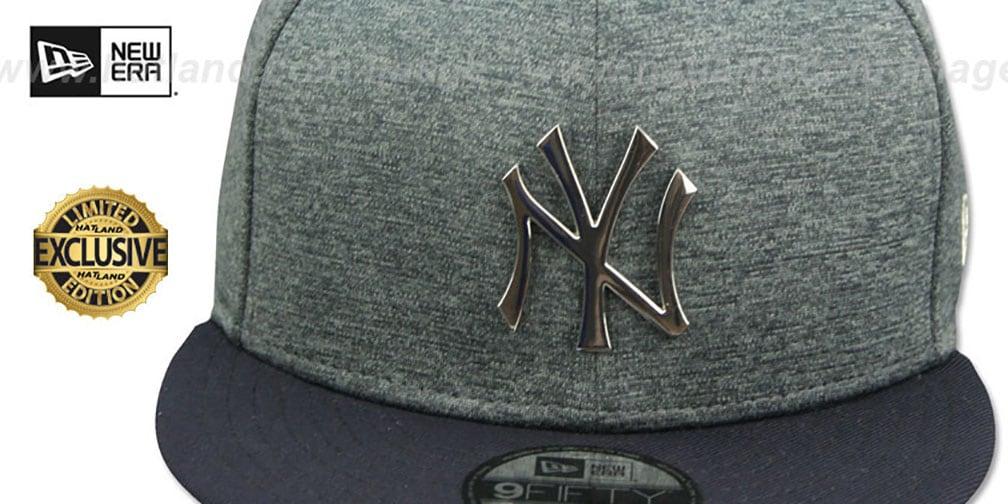 dfeb80765237c Yankees  SILVER METAL-BADGE SNAPBACK  Shadow Tech-Navy Hat by New Era