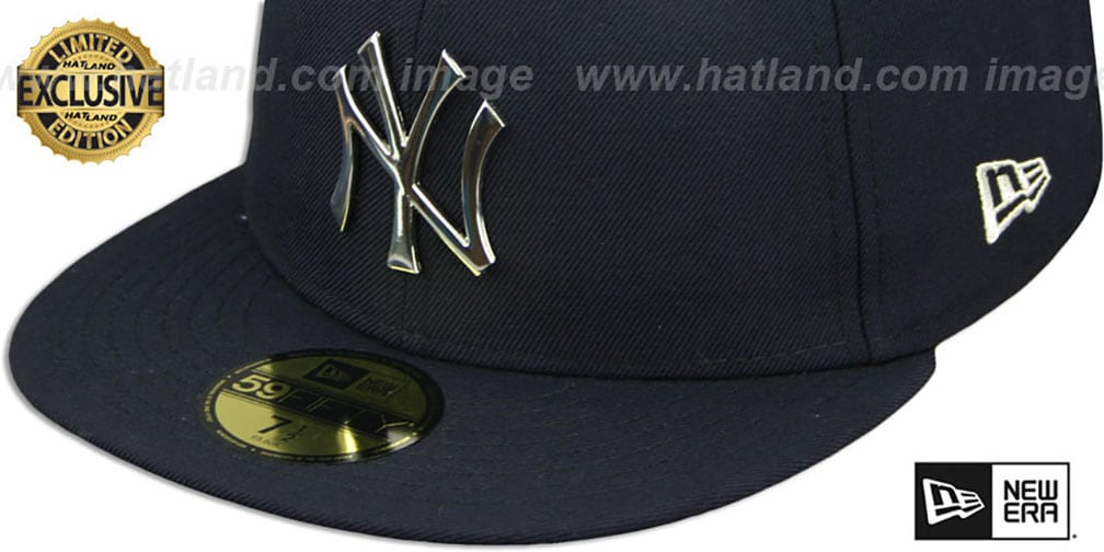 Yankees 'SILVER METAL-BADGE' Navy Fitted Hat by New Era