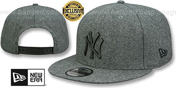 Yankees 'BLACK METAL-BADGE SNAPBACK' Melton Grey Hat by New Era