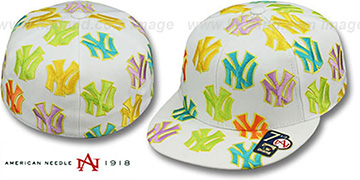 Yankees 'PASTELLI ALL-OVER' White Fitted Hat by American Needle