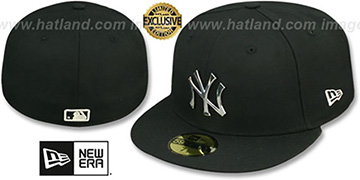 Yankees 'SILVER METAL-BADGE' Black Fitted Hat by New Era