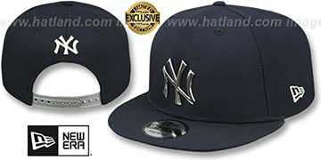 Yankees 'SILVER METAL-BADGE SNAPBACK' Navy Hat by New Era