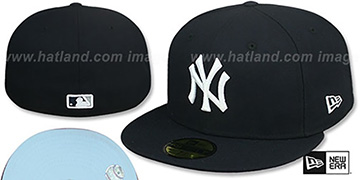 Yankees 'SKY-BOTTOM' Navy Fitted Hat by New Era