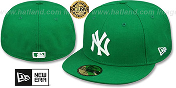 Yankees 'St Patricks Day-2' Green-White Fitted Hat by New Era