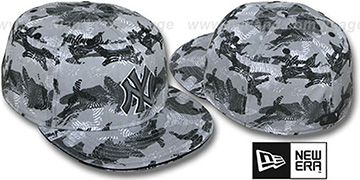 Yankees 'THUMBPRINT' Grey Fitted Hat by New Era